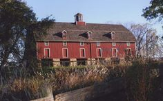 Knox County, Illinois,red barn on Walnut Grove Farm. Photography by Sarah Lipe.