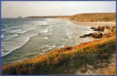 A guide to the most popular places to visit in Cornwall - the seaside resort of Perranporth on Cornwall's Atlantic coast Seaside Resort, Cornwall, Places To Visit, Coast, Bro, Water, Illustration, Goth, Outdoor