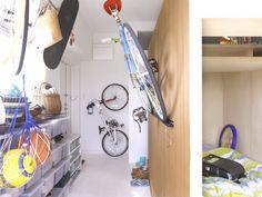 Japanese Family of Six Thinks Inside the Box - LifeEdited