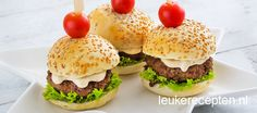 mini hamburgers met truffelmayonaise