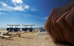 Who needs foreign beaches when the sun shines on the English seaside? With temperatures soaring, here are some of our favourite beachside cafés and bars. Seaside Cafe, Seaside Restaurant, Beach Cafe, Norfolk Holiday, British Travel, Travel Uk, Travel Europe, England, Isle Of Wight