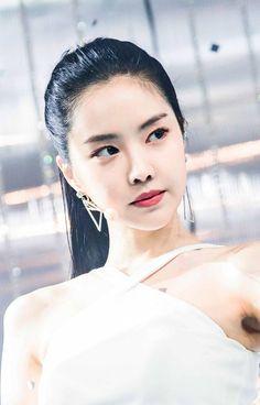 Photo album containing 18 pictures of Apink Ahn Jae Hyun, Kpop Girl Groups, Korean Girl Groups, Kpop Girls, Jung Il Woo, Eunji Apink, Son Na Eun, Pink Panda, Types Of Girls