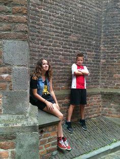 In Nijmegen bij een cd winkel om de hoek staad een kerk en daar stond ik haha