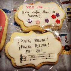 Se acerca el Día de la Madre! Estos son los encargos que vamos entregado!  estas galletas están hechas con harina de arroz y margarina. Así toda la familia puede disfrutar del regalo! #villabakery #VillaviciosaDeOdon #ReposteriaCreativa #ReoosteriaArtesanal #DiaDeLaMadre #RegaloDulce #RegaloPersonalizado #galletasDecoradas #harinaArroz