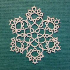 """Tatting by the Bay: Free Patterns Robin Perfetti is so nice to offer such wonderful free patterns, she does have patterns for sale on Etsy under the name """"tattingbythebay"""". Just a nice way to say I appreciate your designs in my opinion."""