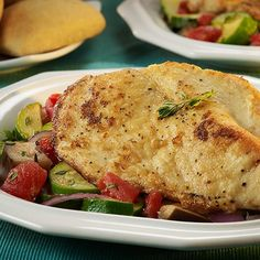 Looking for a tasty chicken dish for the whole family? This traditional pan-fried recipe features chicken, eggplant, zucchini and tomatoes. Fried Chicken Breast, Pan Fried Chicken, Chicken Breast Fillet, Glazed Chicken, How To Cook Chicken, Chicken Breasts, Pasta Dishes, Food Dishes, Dishes Recipes
