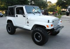 """2000 (Hard to Find) White Sahara - Rock Crawler - Super Cold Air Condition, 119k Miles, 5-Speed, 3"""" ProComp Suspension Lift, 33"""" Tires, ProComp Bumpers, and Added Skid Plates for $12,995!!! http://www.selectjeeps.com/inventory/view/5480320?2000+Jeep+Wrangler+Sahara+League+City+TX"""