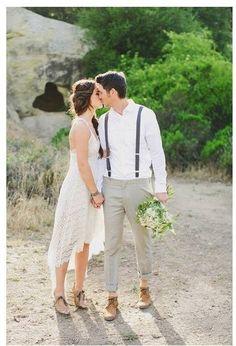 Boho theme for an engagement session Denim Wedding Dresses, Beach Wedding Groom Attire, Wedding Suits, Chic Wedding, Jasmine Star, Prenup Outfit, Moda Formal, Bohemian Wedding Inspiration, Groom Outfit