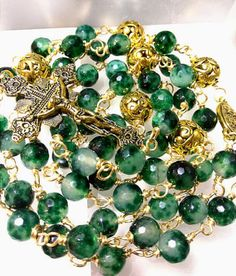 ANTIQUE-VINTAGE-STYLE-GOLD-WIRE-WRAPPED-EMERALD-GREEN-JADE-BEAD-CATHOLIC-ROSARY