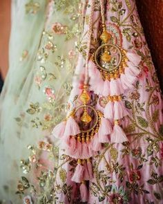 Trending Latkan Designs For Blouse & Lehenga That Are Sure To Glamourize Your Bridal Look! Blouse Lehenga, Lehnga Dress, Red Lehenga, Anarkali, Patiala Salwar, Banarasi Lehenga, Yellow Lehenga, Lengha Choli, Kurti