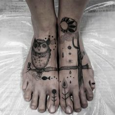 http://www.tattooesque.com/owl-tattoo-on-feet-by-chisato-chavo/