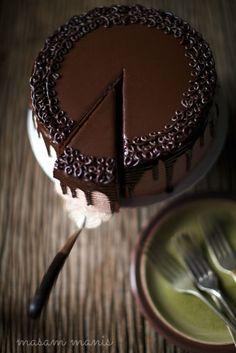 BANANA CHOCOLATE MOUSSE CAKE