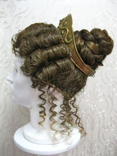 Amazing wigs - www. Roman Hairstyles, Vintage Hairstyles, Wig Hairstyles, Grecian Hairstyles, Ancient Roman Clothing, Greek Clothing, Roman Dress, Historical Hairstyles, Roman Clothes
