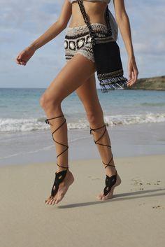 #barefootsandals #beachwedding #bohowedding #bohemian #bohochic #bohemian #beachwear #beach #stbarths #beachlife #beachfashion #anklets