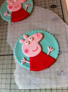 How to make Peppa Pig Cupcake Toppers or Cookies from fondant or get Monkey Cakes to make them Pig Cupcakes, Pig Cookies, Fondant Cupcake Toppers, Valentine Cupcakes, Fondant Icing, Cupcake Cakes, Cake Decorating Tutorials, Cookie Decorating, Peppa Pig Cookie