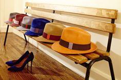 Assis sur un banc #chapeau // Sitting on a bench #hat -- #lacerisesurlechapeau