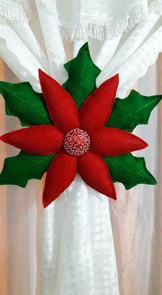 463 Best Navidad images in 2020 Felt Christmas Decorations, Felt Christmas Ornaments, Christmas Pillow, Christmas Wreaths, Christmas Poinsettia, Christmas Sewing, Christmas 2017, Christmas Holidays, Christmas Projects