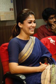 nayanthara at chennai theatres Actress Nayanthara At Aramm Movie Promotion For Theaters HD Gallery Kerala Saree Blouse Designs, Saree Blouse Neck Designs, Saree Blouse Patterns, Saree Models, Blouse Models, Cotton Saree Blouse, Saree Trends, Stylish Sarees, Saree Look