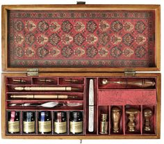 Trianon Letters Calligraphy Writing Set   I want this