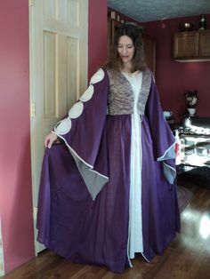 READY TO SHIP-Renaissance faire medieval by HeritageDressmakers
