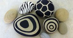 Painted Rocks by Erik Abel SBG pin of the day! River pebbles go ultra modern with a little black paint! Holiday gift everyone can afford. If you absolutely love arts and crafts a person will appreciate this info! Pebble Painting, Pebble Art, Stone Painting, Rock Painting, Pebble Stone, Stone Art, Caillou Roche, Painted Rocks, Hand Painted