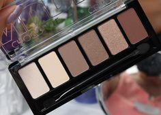 Catrice Chocolate Nudes Eyeshadow Palette http://www.talasia.de/2015/08/10/catrice-chocolate-nudes-eyeshadow-palette/