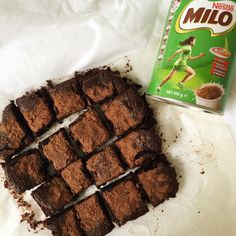 I love brownies; But Milo… It was one of my very first loves. It was also one of the very first things I ate straight out of the tin with a spoon Brownie Recipes, Cake Recipes, Snack Recipes, Snacks, Milo Recipe, Milo Cake, Brownies Kukus, Resep Cake, Dessert Boxes