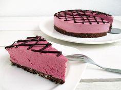 Nix backen: Vegan Gluten-Free Nut-Free No-Bake Raspberry Chocolate Cake Paleo Dessert, Raw Desserts, Chocolate Raspberry Cake, Vegan Chocolate, Chocolate Cake, Raw Food Recipes, Cake Recipes, Dessert Recipes, Gateaux Vegan