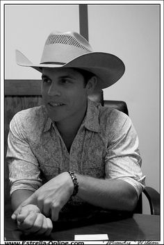 Dustin Lynch! So cute! :)