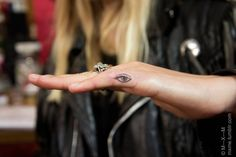 evil eye – Tattoo, You can collect images you discovered organize them, add your own ideas to your collections and share with other people. Little Tattoos, Love Tattoos, Tattoo You, Small Tattoos, Tatoos, Piercing Tattoo, Ear Piercings, Finger Tats, Evil Eye