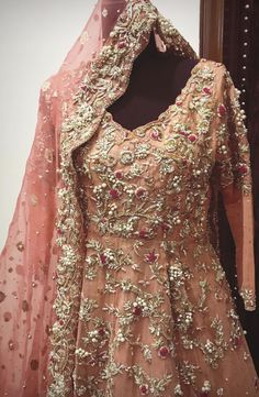 Pakistani Party Wear, Pakistani Wedding Outfits, Indian Outfits, New Outfits, Bridle Dress, Indian Designer Wear, Bridal Lehenga, Bridal Dresses, Clothes For Women