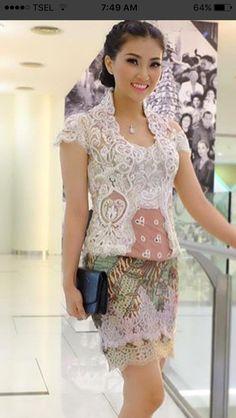Short skirt inspo for kebaya