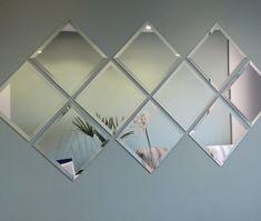Ogledala U Hodniku Dining Room Mirror Wall, Mirror Wall Art, Photo Wall Decor, Wall Art Decor, Spiegel Design, Wall Panel Design, House Tiles, Indian Home Decor, Hallway Decorating