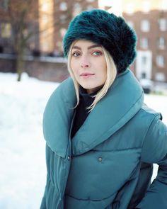 "1,230 mentions J'aime, 14 commentaires - Jenni Rotonen / Pupulandia (@jennipupulandia) sur Instagram: ""What a beautiful crispy winter day it is in Helsinki!❄️ #winter #helsinki #ootd #coat #hmsuomi #hm…"""