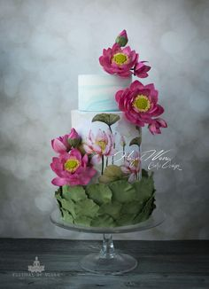 Cute for an Easter wedding cakes. 14 Extraordinary Wedding Cakes from Hazel Wong Cake Design Beautiful Wedding Cakes, Gorgeous Cakes, Pretty Cakes, Amazing Cakes, Bolo Floral, Floral Cake, Pastel Floral, Painted Wedding Cake, Hand Painted Cakes