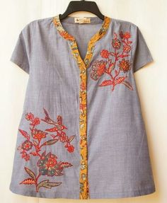 Petal buttoned blouse 3N