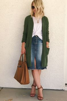 Thrifty Wife, Happy Life: 3 Ways to Wear a Green Cardigan with PinkBlush Green Cardigan Outfit, How To Wear Cardigan, Cardigan Outfits, Dress With Cardigan, Long Cardigan, Fall Transition Outfits, Fall Outfits For Work, Green Outfits For Women, Casual Skirt Outfits