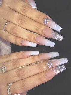 Semi-permanent varnish, false nails, patches: which manicure to choose? - My Nails Aycrlic Nails, Dope Nails, Bling Nails, Gradient Nails, Coffin Nails, Perfect Nails, Gorgeous Nails, Pretty Nails, Best Acrylic Nails