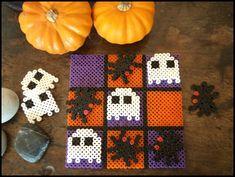 A creepy Hamalloween! Hama, Halloween, Tic Tac Toe Cam&Drey bricolent...