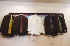 Calling all Harry Potter fans! These groomsmen outfits are perfect for a Harry Potter wedding.