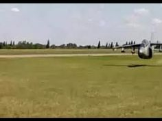 Super low jet aircraft flyby scares the hell out of the crowd by Roy Dawson Realtor video - YouTube