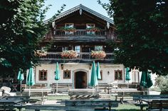 Christoph Haubner Fotografie  Ort: Greischbergerhof Mansions, House Styles, Home Decor, Beautiful Places, Mariage, Mansion Houses, Homemade Home Decor, Villas, Fancy Houses