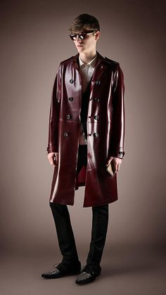 Shop iconic trench coats and car coats for men. Our heritage styles feature in three fits – slim, classic and relaxed. Burberry Trench Coat, Trench Coat Men, Visual Kei, Mens Leather Coats, Men's Leather, Leather Jackets, Sherlock Coat, Mens Designer Coats, Grunge