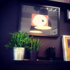El cuadro que más nos gusta de nuestra #oficina de Granada. #Officedecor #Decoración #MarketingDigital Granada, Marketing Digital, Planter Pots, Instagram Posts, Picture Wall, Offices, Grenada