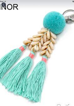 VONNOR Fashion Handmade Keychain Shells Beads Tassel Pendant Key Chains Bohemian Accessories for Women Bags Colorful Trinket Bohemian Accessories, Diy Accessories, Bohemian Jewelry, Diy Jewelry, Jewelry Sets, Kids Market, Saree Tassels, Diy Tassel, Diy Keychain
