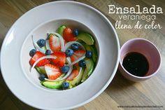 Ensalada de frutos rojos y aguacate / Avocado and berries salad