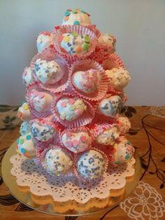 Piramide di Cake pops per San Valentino, copertura candy melts