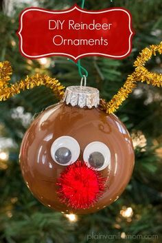 If you're looking to add a few special DIY ornaments to your collection this year, look no further! In this post we're sharing 28 Christmas ornament crafts for kids! Reindeer Ornaments, Christmas Ornament Crafts, Preschool Christmas, Noel Christmas, Christmas Crafts For Kids, Christmas Activities, Homemade Christmas, Christmas Projects, Holiday Crafts