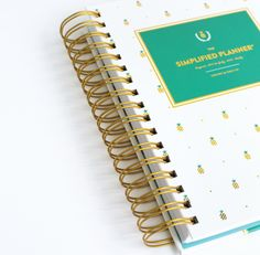 2016 WEEKLY Simplified Planner - Gold Pineapple 🍍Ugh I want this so badly 🍍
