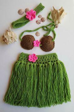 Hula Skirt - Girls Hula Skirt - Hula Girl - Baby Hula Skirt - Newborn Crochet Outfit - Baby's First Pictures - Hawaiian Hula Girl - Handmade by bellafarfallaboutiqu. Explore more products on http://bellafarfallaboutiqu.etsy.com